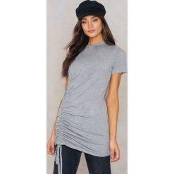 Boohoo Sukienka typu T-Shirt - Grey. Czarne sukienki z falbanami marki Boohoo, l, z poliesteru. W wyprzedaży za 24,29 zł.