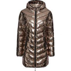 Płaszcz pikowany metaliczny bonprix złoty. Żółte płaszcze damskie bonprix. Za 199,99 zł.
