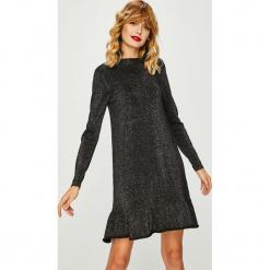 Medicine - Sukienka Shimmering Fantasy. Szare długie sukienki MEDICINE, na co dzień, l, z dzianiny, casualowe, z okrągłym kołnierzem, z długim rękawem, proste. Za 119,90 zł.