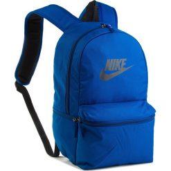 Plecak NIKE - BA5749 431. Niebieskie plecaki damskie Nike, z materiału, sportowe. Za 119,00 zł.