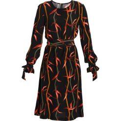 Sukienki hiszpanki: YAS YASSALVIE Sukienka letnia black