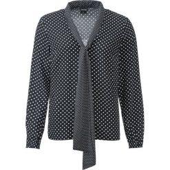 Bluzka z krawatką w groszki bonprix czarno-biel wełny w groszki. Czarne bluzki z odkrytymi ramionami marki bonprix, z falbankami. Za 74,99 zł.
