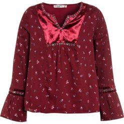Abercrombie & Fitch EMBROIDERED SHINE  Bluzka burg grounded floral. Czerwone bluzki dziewczęce bawełniane Abercrombie & Fitch. Za 179,00 zł.