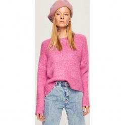 Luźny sweter - Różowy. Czerwone swetry klasyczne damskie marki 100% Maille, s, ze splotem, z okrągłym kołnierzem. Za 99,99 zł.