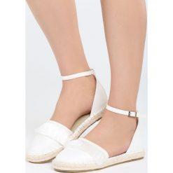 Białe Espadryle Touching My Heart. Białe espadryle damskie marki Born2be, w koronkowe wzory, z koronki, na obcasie. Za 59,99 zł.