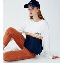Koszulka z długim rękawem i z panelem. Szare t-shirty damskie Pull&Bear. Za 59,90 zł.