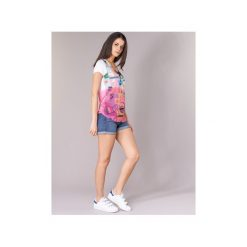 T-shirty z krótkim rękawem Desigual  OUNAD. Różowe t-shirty damskie Desigual, s. Za 159,20 zł.