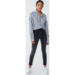 Jeansy super skinny fit z wysokim stanem. Szare boyfriendy damskie Pull&Bear, z jeansu, z podwyższonym stanem. Za 79,90 zł.