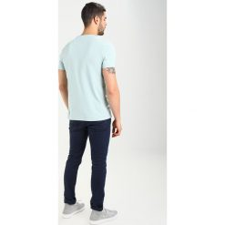 T-shirty męskie: Lyle & Scott CREW NECK Tshirt basic light blue