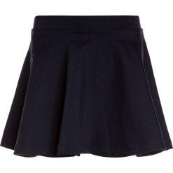 Polo Ralph Lauren SKIRT BOTTOMS Spódnica mini hunter navy. Niebieskie spódniczki dziewczęce Polo Ralph Lauren, z elastanu, mini. Za 209,00 zł.