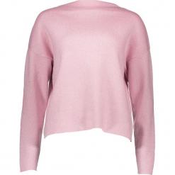 Sweter w kolorze jasnoróżowym. Czerwone swetry oversize damskie Vero Moda, xs, ze splotem. W wyprzedaży za 86,95 zł.