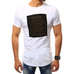 T-shirty męskie: T-shirt męski z naszywką biały (rx2410)