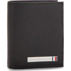 Mały Portfel Męski TOMMY HILFIGER - Th Plaque Ns Trifold AM0AM03637 002. Czarne portfele męskie marki TOMMY HILFIGER, ze skóry. W wyprzedaży za 279,00 zł.