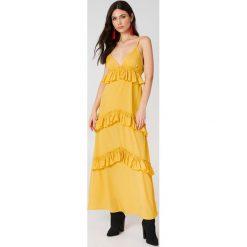 Boohoo Sukienka maxi na ramiączkach z falbanami - Yellow. Czarne długie sukienki marki Boohoo, l, z poliesteru. W wyprzedaży za 36,59 zł.
