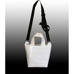 Torebka na ramię. Białe torebki klasyczne damskie Pakamera, z syntetyku. Za 109,00 zł.