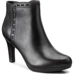 Botki CLARKS - Adriel Sadie 261293574 Black Leather. Czarne botki damskie skórzane Clarks. W wyprzedaży za 259,00 zł.