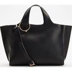 Duża torebka z odpinanym paskiem - Czarny. Czarne torebki klasyczne damskie marki Reserved, duże. Za 149,99 zł.