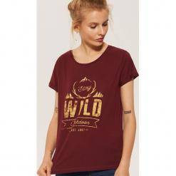 T-shirt z nadrukiem - Bordowy. Czerwone t-shirty damskie marki House, l, z nadrukiem. Za 29,99 zł.