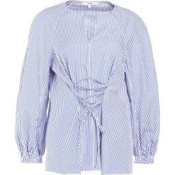 Tibi STRIPED LACE UP TIE Bluzka blue. Białe bluzki asymetryczne Tibi, s, z bawełny. W wyprzedaży za 485,70 zł.