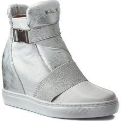 Sneakersy EKSBUT - 77-4492-F29/369-1G Biały. Białe sneakersy damskie Eksbut, z materiału. W wyprzedaży za 239,00 zł.