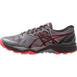 ASICS GELFUJITRABUCO 6 Obuwie do biegania Szlak carbon/red alert. Szare buty do biegania męskie Asics, z gumy. Za 549,00 zł.