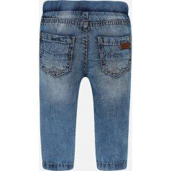 Mayoral - Jeansy dziecięce 68-98 cm. Niebieskie chinosy chłopięce Mayoral, z aplikacjami, z bawełny. Za 79,90 zł.