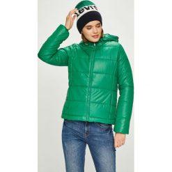 Pepe Jeans - Kurtka Candy. Zielone bomberki damskie Pepe Jeans, l, z jeansu, z kapturem. W wyprzedaży za 319,90 zł.