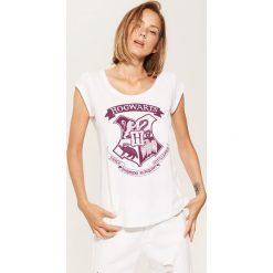 T-shirt Hogwarts - Biały. Niebieskie t-shirty damskie marki House, m. Za 29,99 zł.