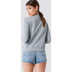 NA-KD Bluza Cherry - Grey. Szare bluzy z nadrukiem damskie marki NA-KD. W wyprzedaży za 70,67 zł.