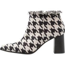 Paco Gil CLAIRE Ankle boot naturale tango. Czarne botki damskie na zamek Paco Gil, z materiału. Za 879,00 zł.