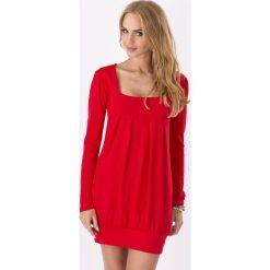 Czerwona Dzianinowa Sukienka z Dekoltem Caro z Długim Rękawem. Czerwone sukienki dzianinowe marki Molly.pl, na co dzień, m, z długim rękawem, tulipan. Za 68,90 zł.