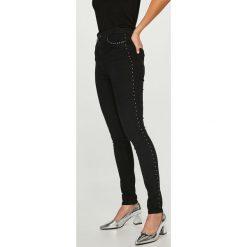 Vero Moda - Jeansy. Niebieskie jeansy damskie marki House, z jeansu. Za 169,90 zł.