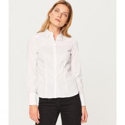 Klasyczna koszula - Biały. Białe koszule damskie marki Reserved, l, z dzianiny. Za 79,99 zł.