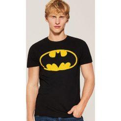 T-shirt Batman - Czarny. Czarne t-shirty męskie House, m, z motywem z bajki. Za 49,99 zł.
