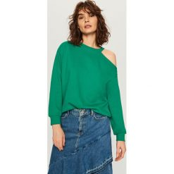 Bluzy damskie: Bluza z wycięciem na ramię - Zielony