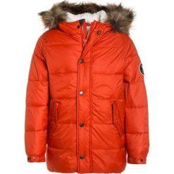Abercrombie & Fitch ELEVATED PUFFER  Płaszcz zimowy orange. Niebieskie kurtki chłopięce zimowe marki Abercrombie & Fitch. W wyprzedaży za 530,10 zł.