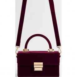 Aksamitna torebka na ramię - Bordowy. Czerwone torebki klasyczne damskie marki Reserved, duże. Za 99,99 zł.