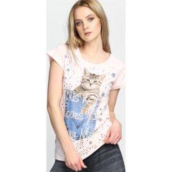 Różowy T-shirt Animals. Czerwone bluzki asymetryczne Born2be, l. Za 24,99 zł.