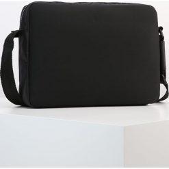 Calvin Klein ALEC Torba na laptopa black. Czarne torby na ramię męskie marki Calvin Klein. W wyprzedaży za 383,20 zł.