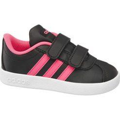 Buty dziecięce adidas Vl Court 2.0  adidas czarne. Czarne buciki niemowlęce marki Adidas, do piłki nożnej. Za 119,90 zł.