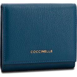 Mały Portfel Damski COCCINELLE - CW5 Metallic Soft E2 CW5 11 48 01 Saphir B02. Niebieskie portfele damskie Coccinelle, ze skóry. Za 449,90 zł.
