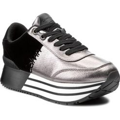 Sneakersy CALVIN KLEIN JEANS - Carlita R0689  Pewter/Black. Czarne sneakersy damskie marki Calvin Klein Jeans, z jeansu. Za 609,90 zł.