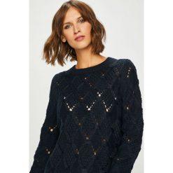 Pepe Jeans - Sweter. Czarne swetry klasyczne damskie Pepe Jeans, s, z dzianiny, z okrągłym kołnierzem. Za 259,90 zł.