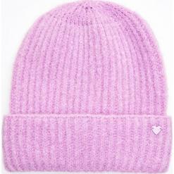 Ciepła czapka - Fioletowy. Fioletowe czapki damskie marki Cropp. Za 34,99 zł.