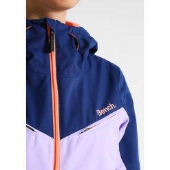 Bench BOLD Kurtka snowboardowa blue depths. Niebieskie kurtki damskie narciarskie marki Bench, s, z materiału. W wyprzedaży za 543,20 zł.