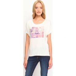 T-shirty damskie: T-SHIRT KRÓTKI RĘKAW DAMSKI Z NADRUKIEM
