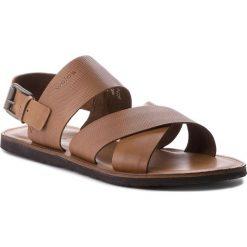 Sandały WOJAS - 5302-53 J.Brąz. Brązowe sandały męskie skórzane Wojas. W wyprzedaży za 199,00 zł.