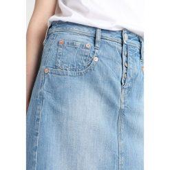 Herrlicher SHYRA SKIRT DENIM STRETCH Spódnica trapezowa light. Niebieskie spódniczki jeansowe marki Herrlicher, trapezowe. Za 379,00 zł.