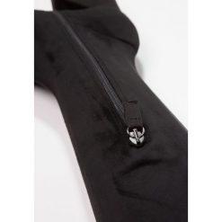 Topshop CAPPUCCINO Muszkieterki black. Czarne buty zimowe damskie marki Topshop, z materiału. W wyprzedaży za 391,20 zł.