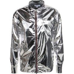 Soulland HOBBIE REFLECTIVE LIGHT ZIP Kurtka wiosenna silver reflex. Szare kurtki męskie marki Soulland, l, z materiału. W wyprzedaży za 347,70 zł.